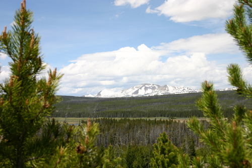 Yellowstone_mountains